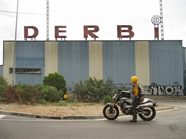 Een Derbi Mulhacen voor de Derbi fabriek