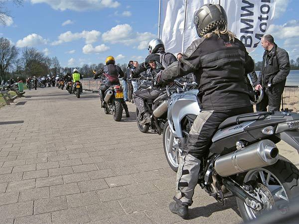Motorrijders op BMW's