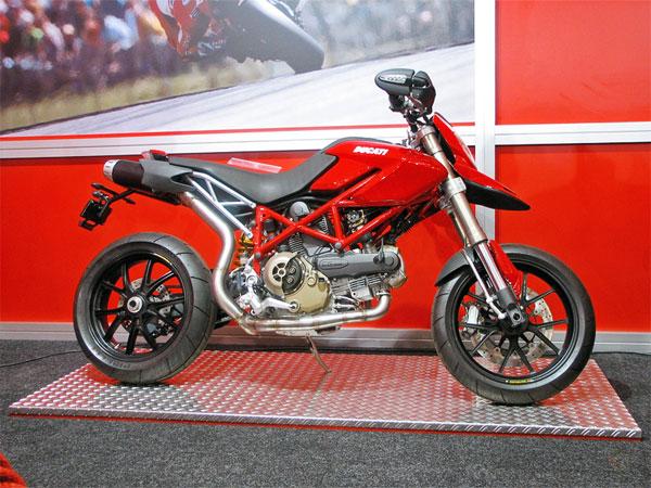 Red lean motorbike