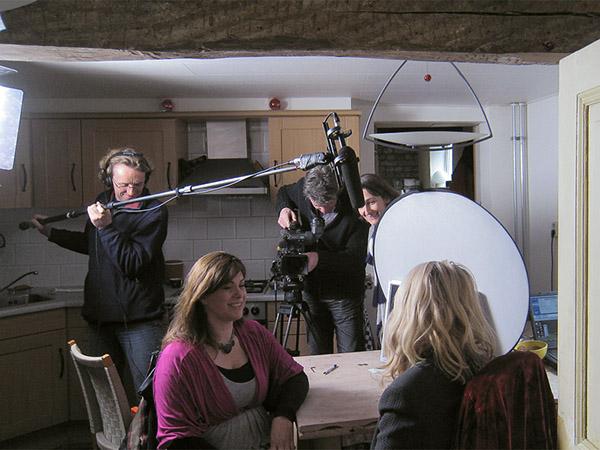 TV opnames in een keuken
